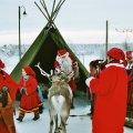 Joulunavaus Pelkosenniemen torilla, 2003